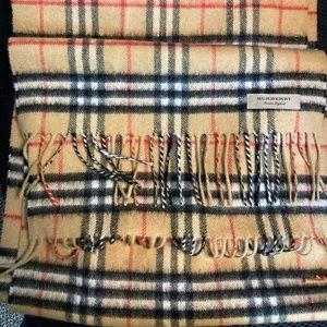 BURBERRY 100% Cashmere Classic Plaid Scarf